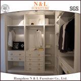 Spitzenschlafzimmer-Möbel kundenspezifischer Garderoben-vollständige Lösungs-Walk-in Wandschrank