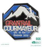 Il metallo su ordinazione ha fatto il Pin del risvolto di sport di alpinismo (XG-31)