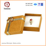 Caja de cartón collar de perlas de color de oro con incrustaciones de terciopelo