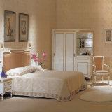 Insieme di camera da letto bianco puro piacevole della mobilia dell'hotel di stile (EMT-A0658)