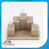 Soporte de visualización de madera disponible del anillo del vario diseño pequeño con el cuero de la PU cubierto