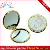 Piccolo specchio compatto cosmetico di plastica