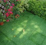 Nuovo giardino di alta qualità che collega le mattonelle artificiali del tappeto erboso del pavimento