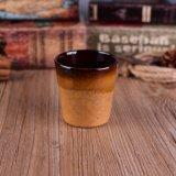 V形の奉納の陶磁器の蝋燭ホールダー