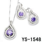 De echte Zilveren Reeks van de Violetkleurige Juwelen van Zircon bengelt Oorringen