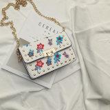 2017新しいデザイナー刺繍によっては方法女性が開花するCrossbody Handbag