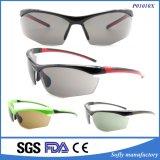 Il blocco per grafici di plastica verde di modo mette in mostra gli occhiali da sole con l'elastico