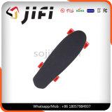 Planche à roulettes électrique de mode sèche à quatre roues de qualité, Longboard avec à télécommande