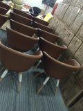 Einspritzung-Schaumgummi geformter Polsterung-Büro-Arm-Stuhl
