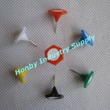 Pin assorti de poussée formé par hexagone en plastique avec le disque de papier adhésif