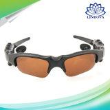 Беспроволочный Handsfree стерео мобильный телефон MP3 солнечных очков Bluetooth франтовской с солнечными очками изумлённых взглядов шлемофона Mic Bluetooth