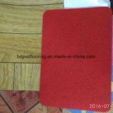 Le rouge du roulis 0.7mm de plancher de vinyle a ressenti en arrière le plancher de roulis de PVC