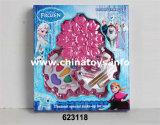 놓이는 소녀 아름다움을%s 사랑스러운 플라스틱 장난감 (623119)