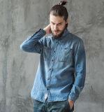 Рубашка джинсыов голубых людей классицистических европейских втулок осени весны длинних