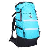 Escalada de viagem dos esportes ao ar livre do lazer caminhando o saco da trouxa da mochila