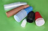 Prensa de batir del borde plástico automático de la taza