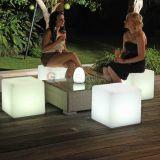 ナイトクラブのイベントのための照らされたLEDの立方体表棒椅子
