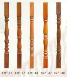 Columna de madera de la escalera por escalera