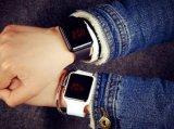 新しく軽い男女兼用のデジタルLEDタッチ画面はシリコーンのブレスレットの腕時計を遊ばす
