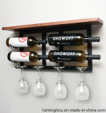 Klassische und praktische hölzerne und Metallan der wand befestigte Wein-Glas-Zahnstange