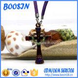 Collar pendiente de la marca de fábrica de la cruz de encargo del Rhinestone para la promoción religiosa