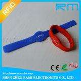 Wristband passivo 13.56MHz do silicone de RFID que pode escrever-se para o campo de jogos