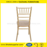 Используемый стул стула Chiavari деревянный