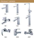 Robinet de baignoire de douche d'accessoires de salle de bains de matériel de crochet de mur (YZL-15125)