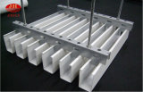 Il tetto di alluminio della costruzione della Camera riveste il soffitto di pannelli dell'alluminio dell'isolamento termico