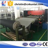 Sapatas de couro da produção em massa automática que cortam a imprensa
