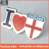 Der Fabrik-Liebes-England-Scheitel-Qualitätsdecklack-Abzeichen direkt Großhandelsqualitäts-kundenspezifisches Andenken-I