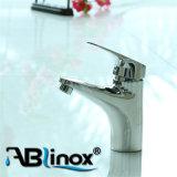 Robinet chaud Ab018 de mélangeur de bassin de salle de bains de vente de qualité