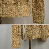 女性の基本設計のジッパーのケーブルによって編まれるプルオーバー