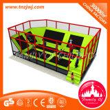 Кровать спортивной площадки парка Trampoline малыша скача с губкой