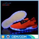 Фабрика тапок ботинка СИД света USB Unisex женщин людей поручая проблескивая
