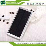 Côté de pouvoir de chargeur de batterie solaire d'aperçus gratuits