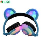 Écouteur rougeoyant coloré personnalisé mignon de vente chaud d'oreille d'ours de mode