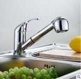 Grifo Pull-Down de cobre amarillo del fregadero de la cocina de cerámica de la válvula del cromo