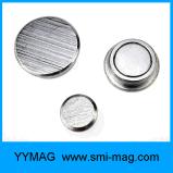 Oficina de metal plateado botón magnético