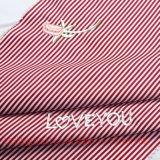 ポリエステルはワイシャツのスカートの寝具の帽子のためのヤーンによって染められるファブリックを刺繍する