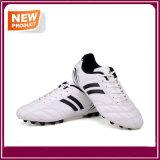 Le football de mode chausse des chaussures du football pour les hommes