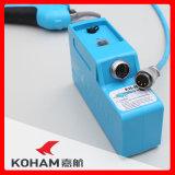 Kohamは李電池のSecateursを切るキーウィフルーツのツリーブランチに用具を使う