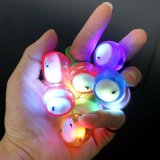 Le pouce de DEL jette le jouet extrême rougeoyant d'anti-stress de fileur de cubes en mouvement de doigt léger de yo-yo de personne remuante de yo-yo de jouets lumineux de bille