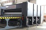 Máquina que ranura y que corta con tintas de la impresión de la cartulina del cartón
