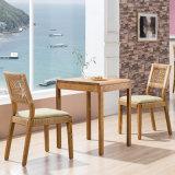 正方形の木製のダイニングテーブルB02-7