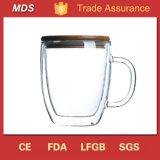 Cristalería de cristal de pared doble de las tazas de café con la tapa y la maneta de bambú