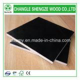 Черная переклейка бетона пленки