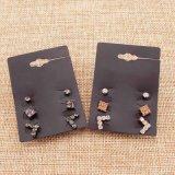 Due orecchini di cristallo della vite prigioniera del quadrato del Rhinestone di colori impostati