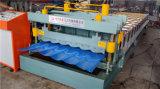 Tuiles de toit glacées faisant la machine