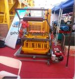 Machine de fabrication de brique concrète de pression hydraulique du moteur diesel Qm4-45